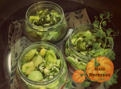 sterilizaciya-salata-iz-zelenyh-pomidorov