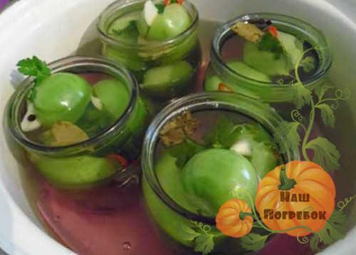 sterilizaciya-zelenyh-pomidorov