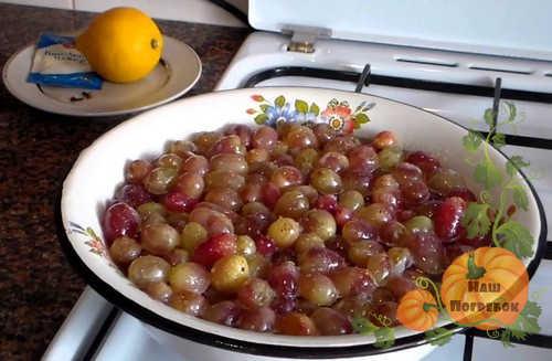 aromatnoe-varene-iz-vinograda-s-limonom
