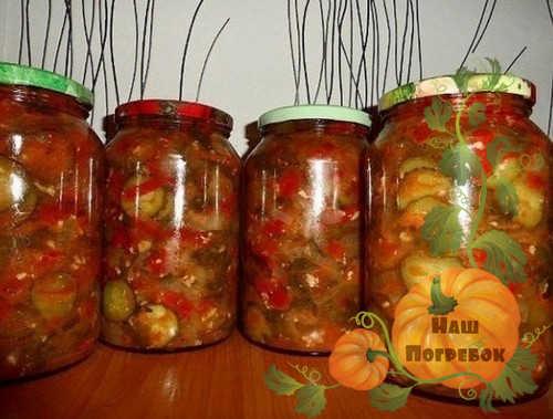 ogurcy-i-perec-v-tomatnom-souse