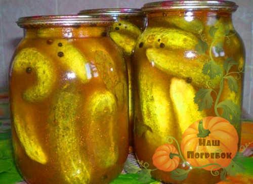ogurcy-v-tomatnoj-zalivke-na-zimu-recept