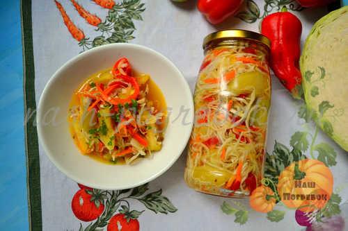 salat-iz-kapusty-na-zimu-v-bankah-s-bolgarskim-percem-morkovyu-i-lukom