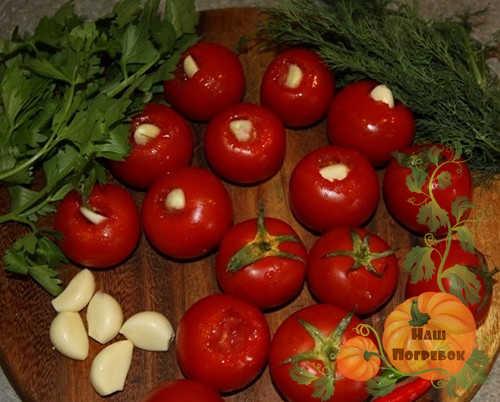 chesnok-v-pomidorah