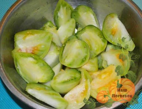 chetvertinki-zelenyh-pomidorov