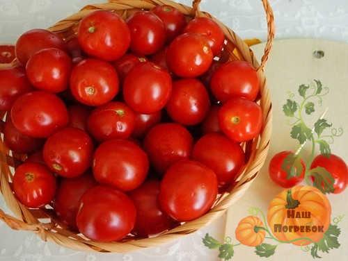 nakolotye-zubochistkoj-pomidory-cherri