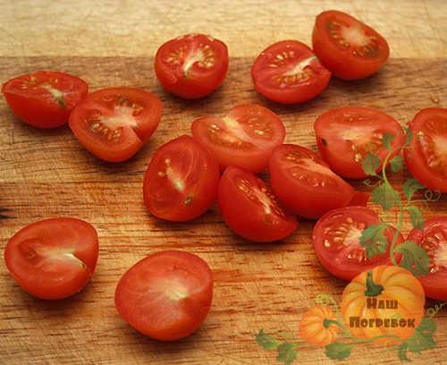 polovinki-krasnyh-pomidorov