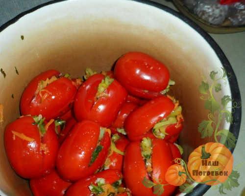 pomidory-farshirovannye-dlya-marinovaniya