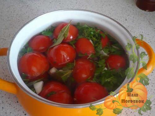 pomidory-kvasyatsya-v-kastryule