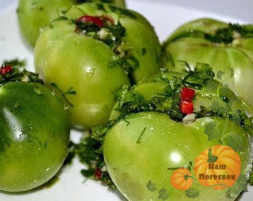 pomidory-s-percem-farshirovannye
