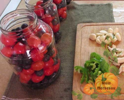 pomidory-sladkie-s-chernoslivom