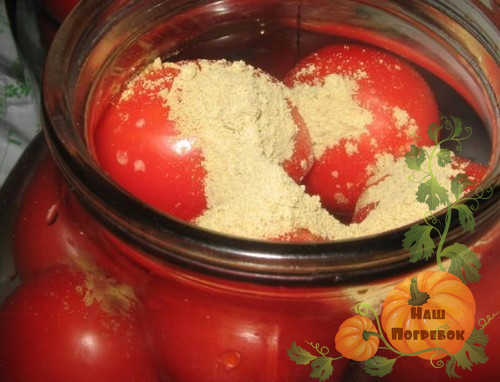 pomidory-v-banke-s-gorchicej