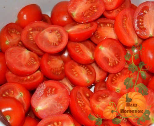 porezannye-polovinkami-pomidory