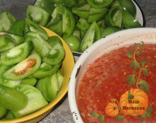 zelenye-i-krasnye-pomidory-dlya-adzhiki