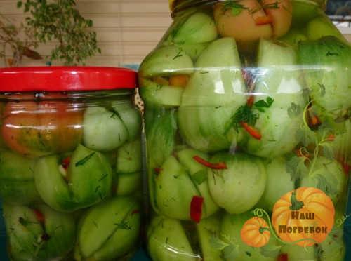 zelenye-pomidory-po-gruzinski-farshirovannye-percem-i-chesnokom