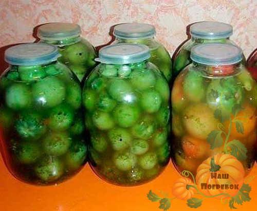 zelenye-pomidory-v-bankah-pod-kapronovuyu-kryshku
