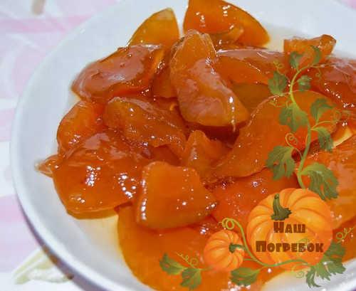 grushevoe-varene-dolkami-yantarnoe
