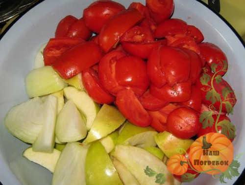 pomidory-yabloki-luk-dlya-dolkami