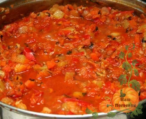 tushenie-baklazhanov-v-tomatnom-souse